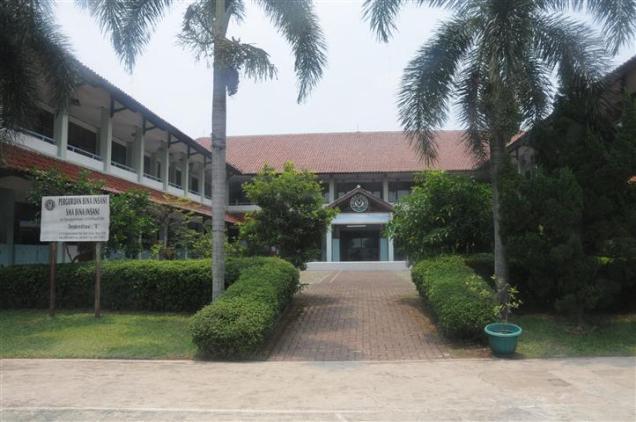 SMA Bina Insani Bogor