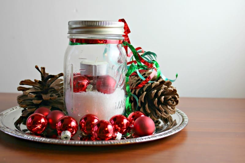 30 Frugal Ways To Decorate Your Homestead This Christmas