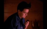 Dale Cooper talks into his dictaphone