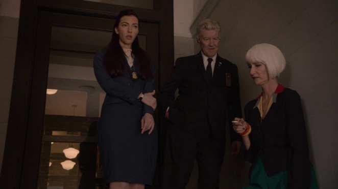 Tammy, Gordon and Diane smoking