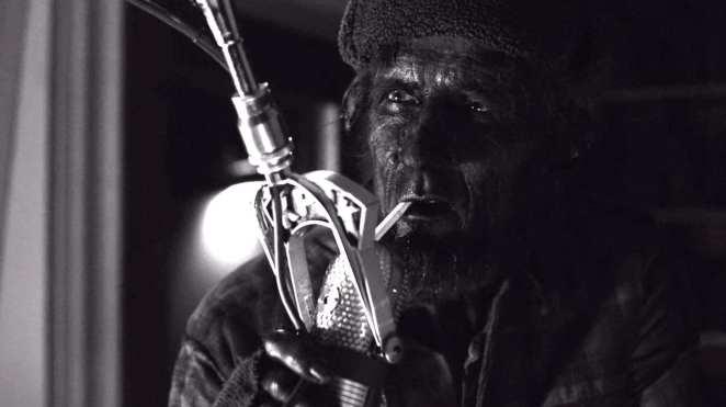 twin-peaks-woodsman-radio
