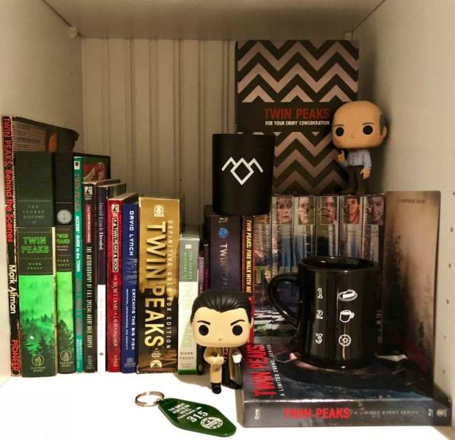 Twin peaks books and funko pops