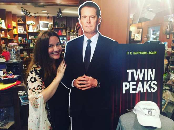 Courtenay and cardboard Agent Cooper