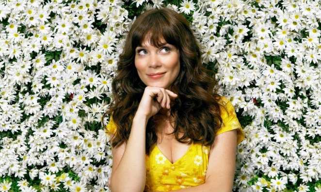 Anna Friel stars as Charolette Charles in Pushing Daisies