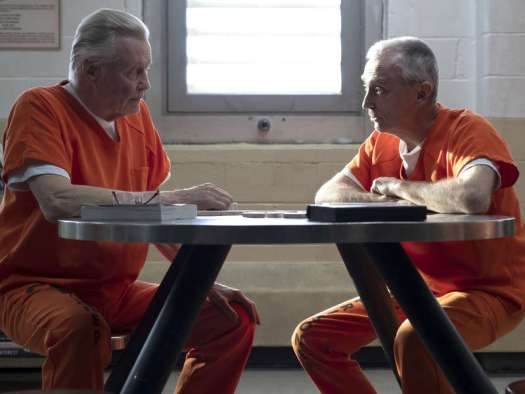 Mickey Donovan (Jon Voight) plays dominoes in prison, Ray Donovan Season 6
