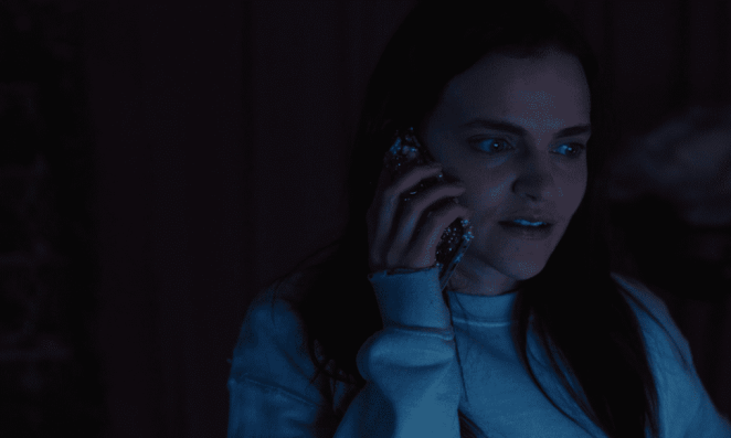 Alice calls text support to report that her Lola account has been taken over in Netflix's Cam