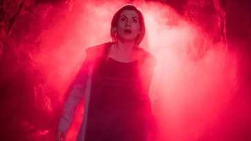 The Thirteenth Doctor walks through red light.