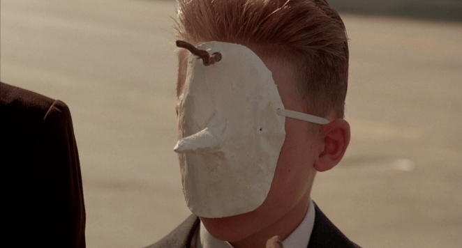 The Magician wears a mask in Twin Peaks: Fire Walk With Me