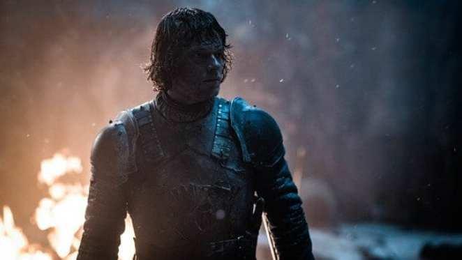 Theon Greyjoy protecting Bran Stark in Game of Thrones The Long Night