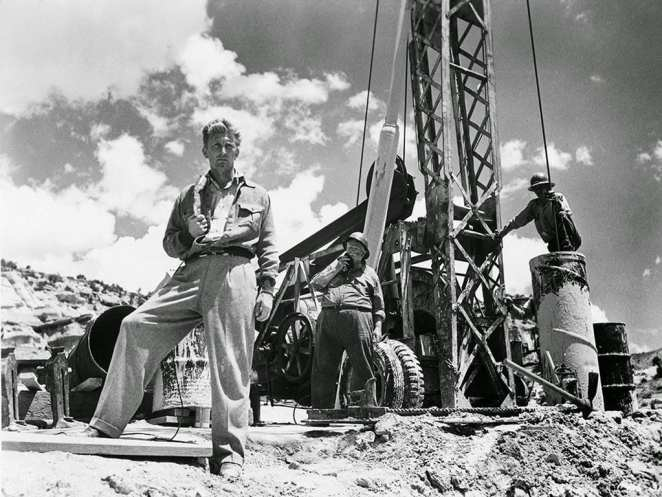 Chuck Tatum (Kirk Douglas) will resort to anything to get the best story in Billy Wilder's Ace in the Hole