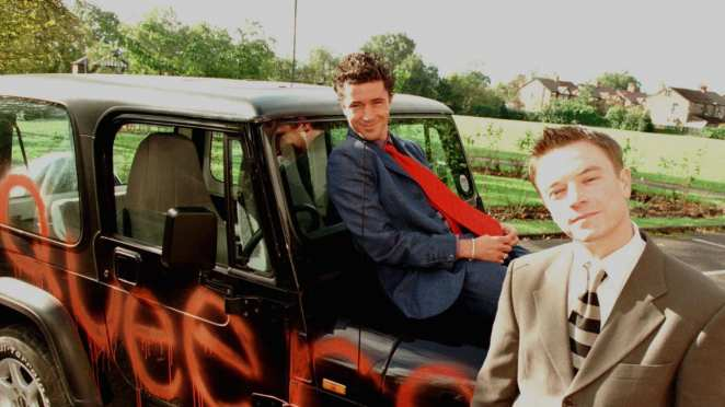 Aidan Gillen and Craig Kelly as Stuart and Vince in Queer As Folk