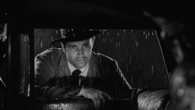 Tom Neal as the downtrodden and massively unlucky Roberts in Detour