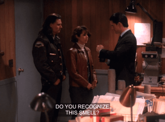 "Cooper asks Ronette about the ""burnt engine oil"" smell in Twin Peaks"