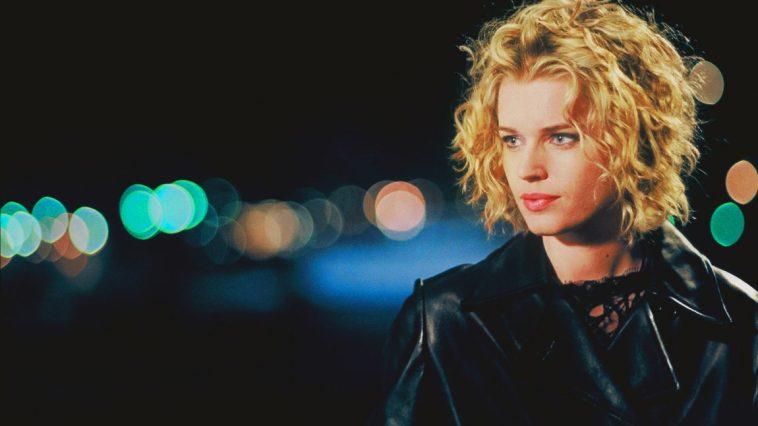 Rebecca Romijn-Stamos in Femme Fatale (2002)