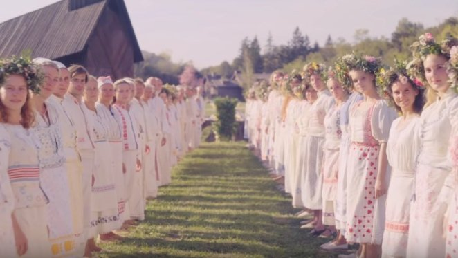 A cult awaits you in Midsommar