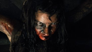 Pollyanna McIntosh as a feral cannibal in The Woman