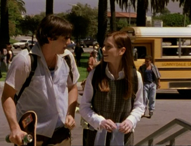 Xander and Willow arrive at school