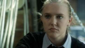 Dominique Swain as the eponymous intern, Jocelyn Bennett