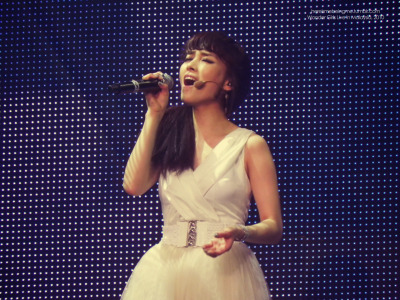 hereismebeingme:  ;________________; Sunye's solo stage. you guys should go and look for it in youtube. seriously :')
