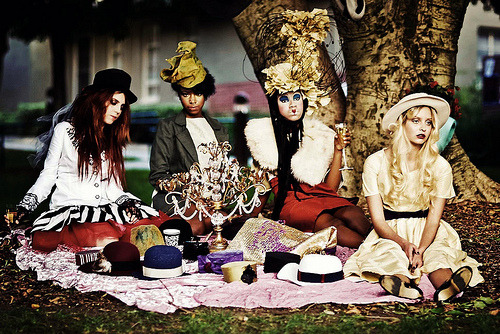 fuckyeahethnicwomen: Tea Party in Wonderland (by kh2rac)