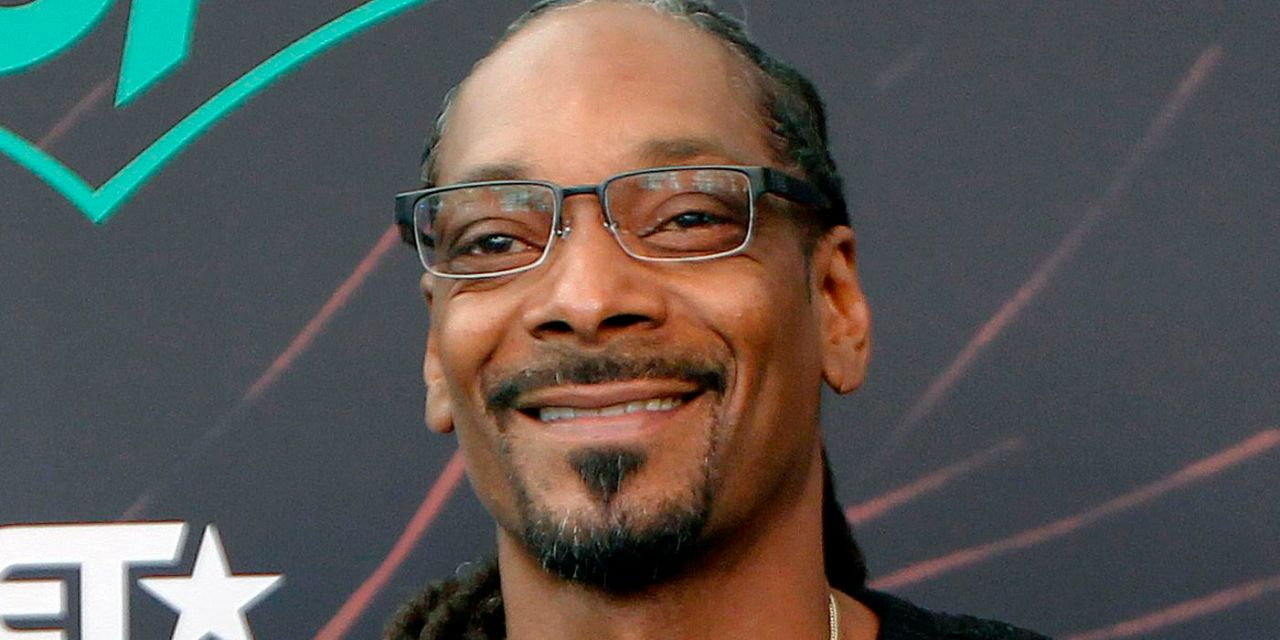 Snoop Dogg thinks Defunding the police is the best option — Talking with Lil Wayne