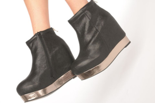 just ordered these baby's, they should be here by Thursday or Friday!