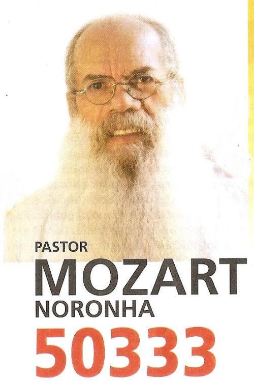 votobrigatorio:  Valeu Pastor, mas não precisa também por a ovelha na cara. PORRA ELEIÇÕES 2010!