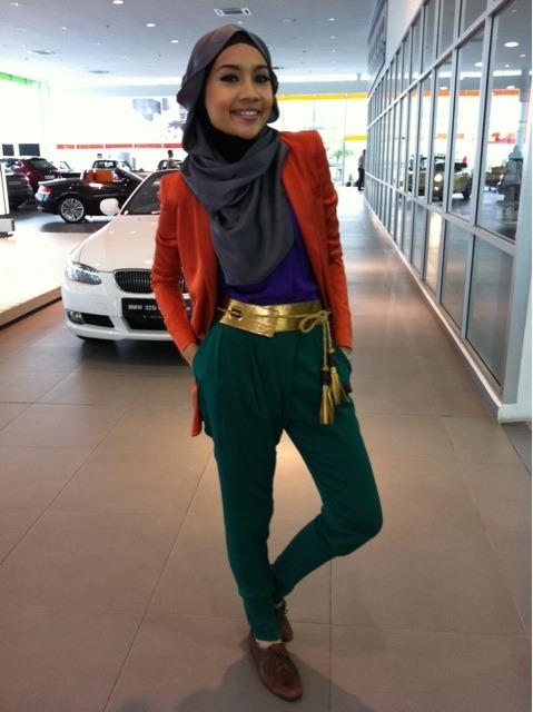 sputniksweetheart:  Yuna Zaraidoing a Gucci look for Esquire photoshoot.