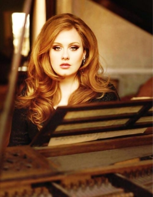 This photo of Adele absolutely is breathtaking! SHE'S SO GORGEOUS!!!