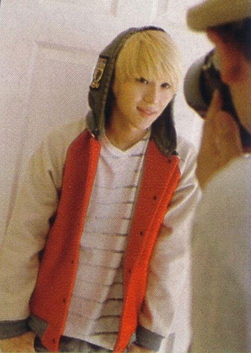 Taemin @ Junon 12 Japanese Magazin [un-shared] via Taemin Russia
