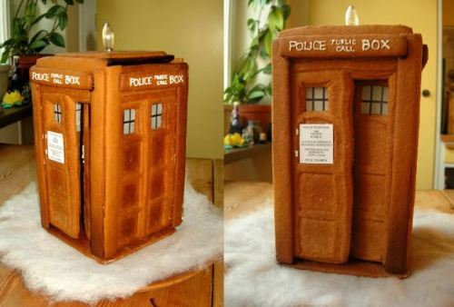 a gingerbread sculpture of Doctor Who's time machine