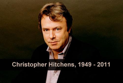 """RIOS DE ABSURDO ESCORREM DOS PÚLPITOSpor Christopher Hitchens<br /><br /><br /><br /> """"…a religião não se satisfaz com suas próprias alegações maravilhosas e garantias sublimes. Ela precisa tentar intervir na vida dos não-crentes, dos hereges ou dos que professam outras crenças. Ela pode falar sobre a bem-aventurança do próximo mundo, mas quer o poder neste.<br /><br /><br /><br /> Uma semana antes dos acontecimentos do 11 de Setembro de 2011, participei de um debate com Dennis Prager, um dos mais conhecidos radialistas religiosos dos EUA. Ele me desafiou publicamente a responder o que classificou uma 'simples pergunta sim ou não', e eu concordei alegremente. Muito bem, disse ele. Eu deveria me imaginar em uma cidade estranha ao anoitecer. Eu deveria imaginar que um grande grupo de homens vinha em minha direção. Então: eu me sentiria mais seguro ou menos seguro sabendo que eles estavam apenas vindo de uma cerimônia religiosa?<br /><br /><br /><br /> Como o leitor verá, essa não é uma pergunta que permita uma resposta sim ou não. Mas eu era capaz de responder a ela como se não fosse hipotética. 'Apenas para fica na letra B, eu de fato já passei por essa experiência em Belfast, Beirute, Bombaim, Belgrado, Belém e Bagdá. Em todos os casos eu posso dizer 'não' com convicção e posso apresentar os motivos pelos quais me sentiria imediatamente ameaçado se pensasse que o grupo que se aproximava de mim no escuro estava vindo de um encontro religioso'.<br /><br /><br /><br /> Em Belfast, vi ruas inteiras incendiadas por uma guerra sectária entre diferentes seitas cristãs, e entrevistei pessoas que tiveram parentes e amigos sequestrados, assassinados ou torturados por esquadrões da morte de religiões rivais… Há uma velha piada irlandesa sobre um homem que é parado em uma barreira na rua e tem de responder qual é sua religião. Quando ele responde que é ateu, ouve a pergunta: """"Ateu protestante ou católico?"""" Acho que isso mostra como a obsesssão se entranhou até mesmo no lendário"""