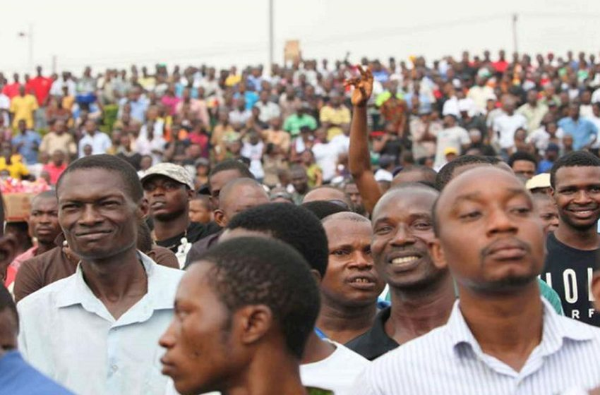 FEDERAL GOVERNMENT TO PAY UNEMPLOYED YOUTHS N20,000