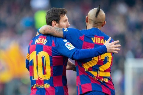 Messi Bids Farewell to Vidal as Midfielder is Set to Leave Barcelona.