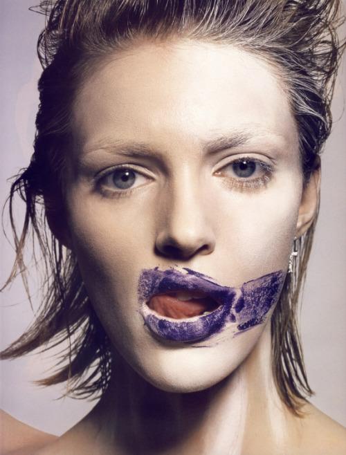 fakingfashion: Vogue Paris November 2009 | Peintures de guerre | Tyen