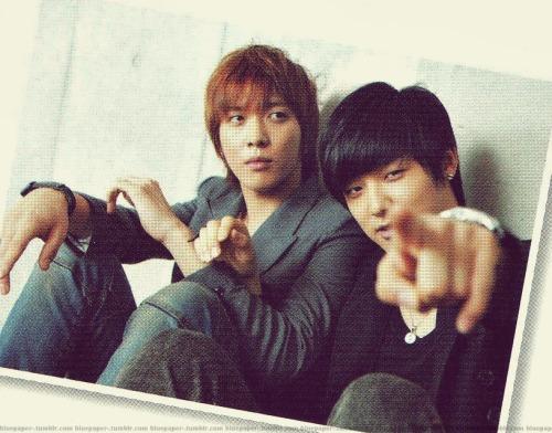 CN Blue - Yonghwa & Minhyuk @ BITEKI Dec Issue  DFKSJWIHFAWFAWEf  Cr: kawa-lily2More: BITEKI Dec Issue