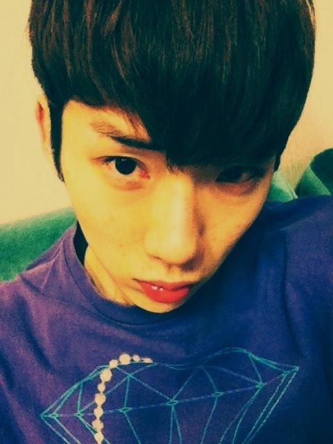 110107 Kwon's Twitter  부시시 … 히힛. booshishi … heeheet.