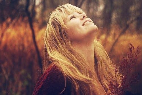 """""""Entre lágrimas e sorrisos,eu vou…fazendo a obra de Deus com amor."""""""