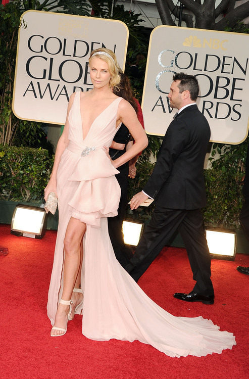 Charlize Theron in Dior #GoldenGlobes 2012<br /><br /><br /><br /><br /><br />