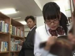 図書館でエッチな本に興味津々な巨乳メガネっ子な女子校生を発見!痴漢して中出しレイプ!