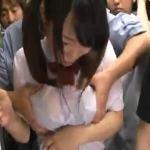 巨乳でスケスケ!バスの中で汗だくの女子校生が集団痴漢される
