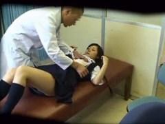 医者の立場を利用して女子校生に中出ししたったwwww