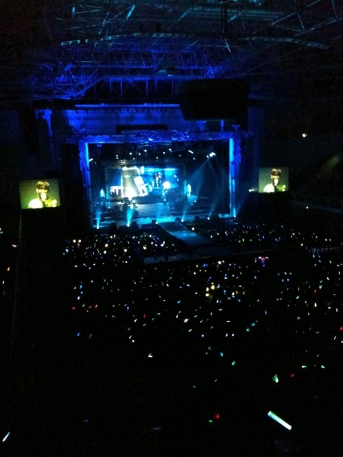 101226 Kwon's Twitter  2010년 2AM첫단독 콘서트 서울3일 .!정말 최고였죠 오늘! 남은 7번의 공연도 신나게 달려봅시다!^^ 2010 2AM's first solo concert 3 days in Seoul .!Really the best today! Let's run with joy for the other 7 performances that are left!^^