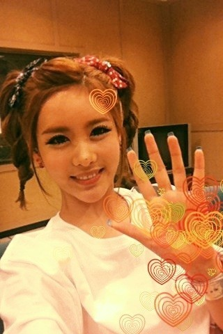 liefdet-ara:  Thank you for loving Roly Poly all this time ^^♥GOODBYE ROLY POLY~ QRI's tweet make my heart sank even further.. T.T  cr: qri + tiaradiadem