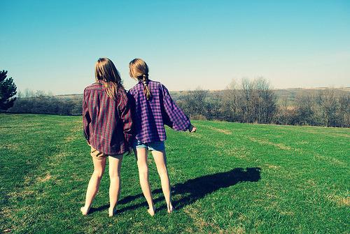 """<br /> Já chamei pessoas próximas de """"amigo"""" e descobri que não eram… Algumas pessoas nunca precisei chamar de nada e sempre foram e serão especiais para mim.<br /> (tenhosaudadedevoce)</p> <p>"""