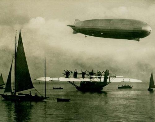 """xplanes:  """"Am Bodensee. Großflugzeug """"Do X"""" und Luftschiff """"Graf Zeppelin"""" (via)"""