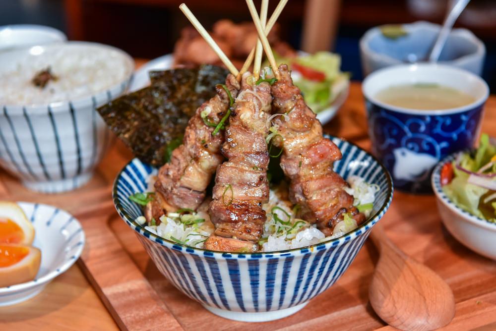プロ燒鳥專門店Puro 2.0:台中西區美食-$200元有找就能在午餐時段吃到燒鳥丼飯!