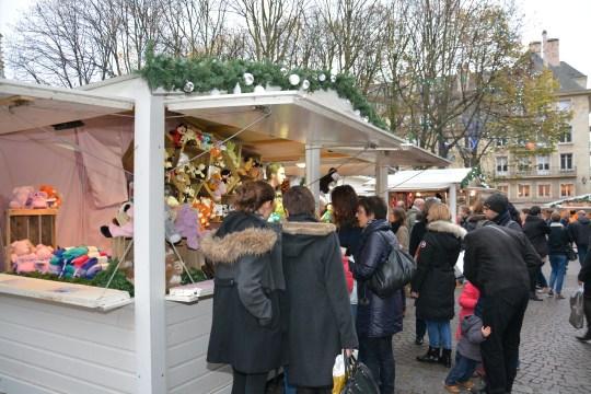 Les peluches chauffantes la stad du marché de noël de Rouen