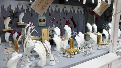 Bijoux vendus sur le marché de Noël du Mans