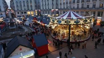 Carrousel du marché de Noël de Nantes Place Royale